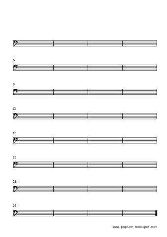8 Portées musicales, clé de Fa, 32 mesures